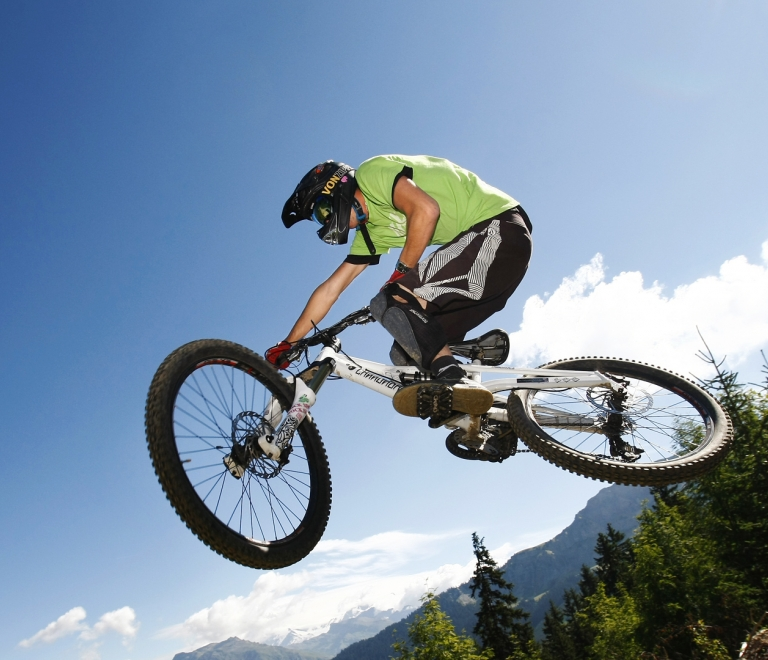 Mountain/all-terrain biking